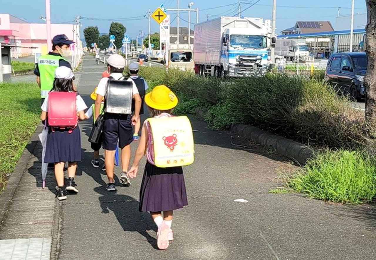 画像1: 地域児童を見守り 菊池分駐所が「こども110番の家」に|熊本地本