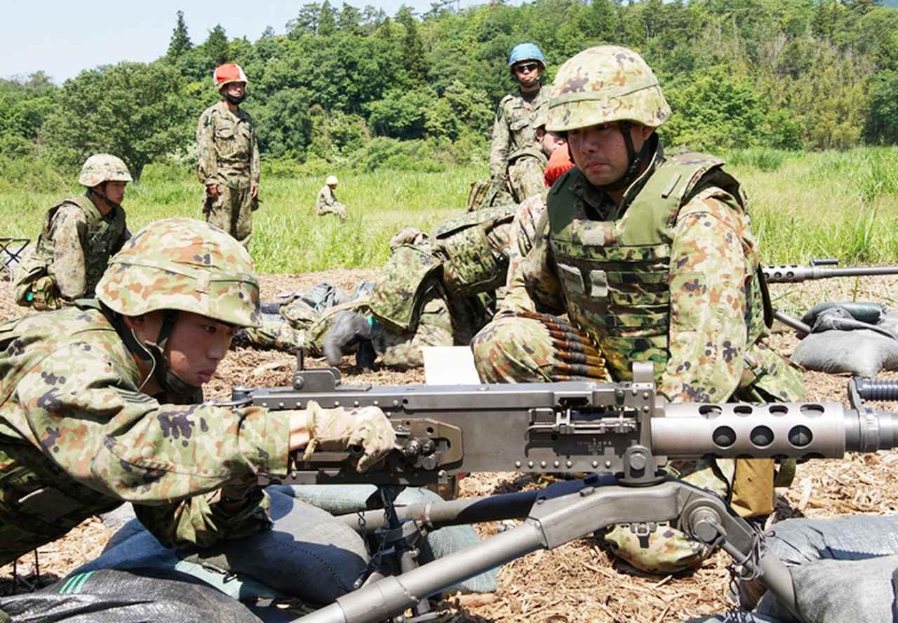 画像2: 左:坂尻陸士長 右:長田2陸曹