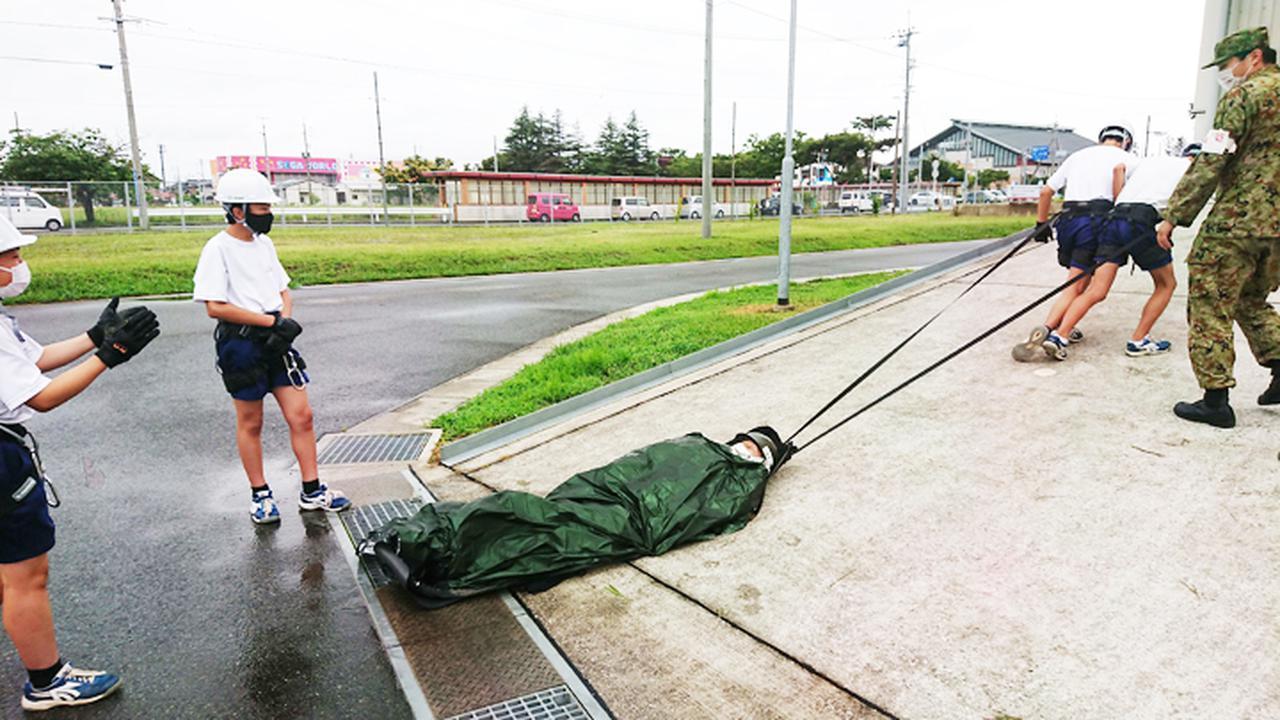 画像2: 人命救助訓練