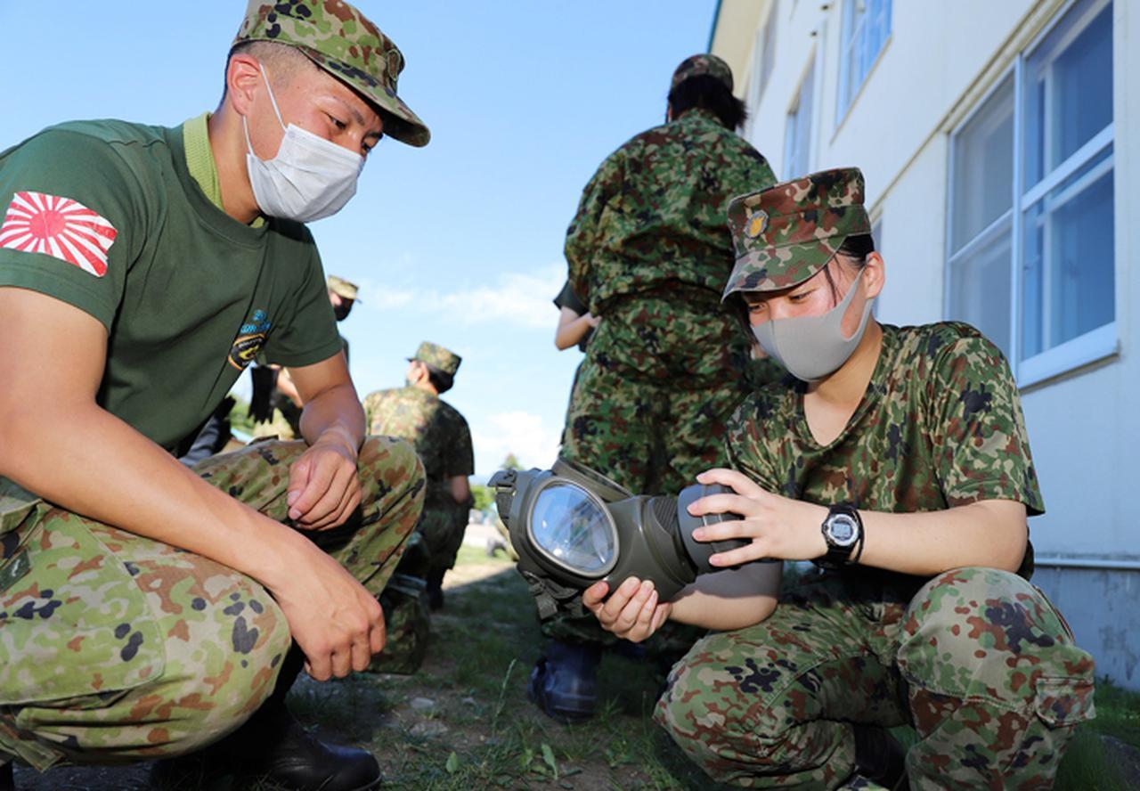 画像: 特殊武器防護訓練