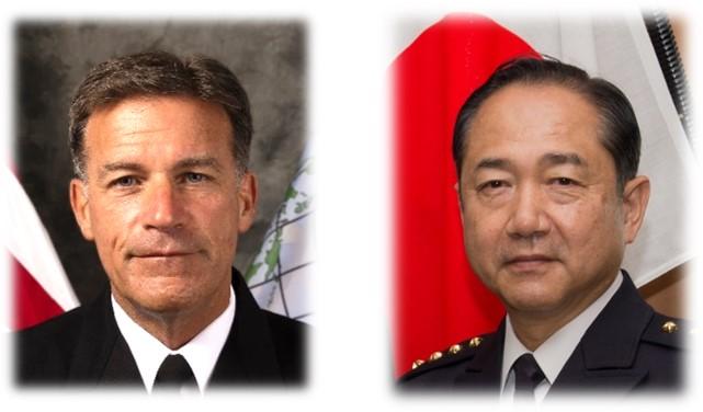 画像: アクイリーノ米インド太平洋軍司令官(左)と山崎幸二統合幕僚長 統合幕僚監部ツイッターより twitter.com