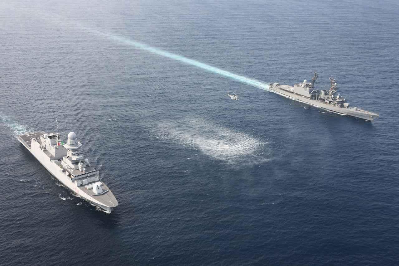 画像2: 海自の海賊対処部隊がイタリア海軍と共同訓練