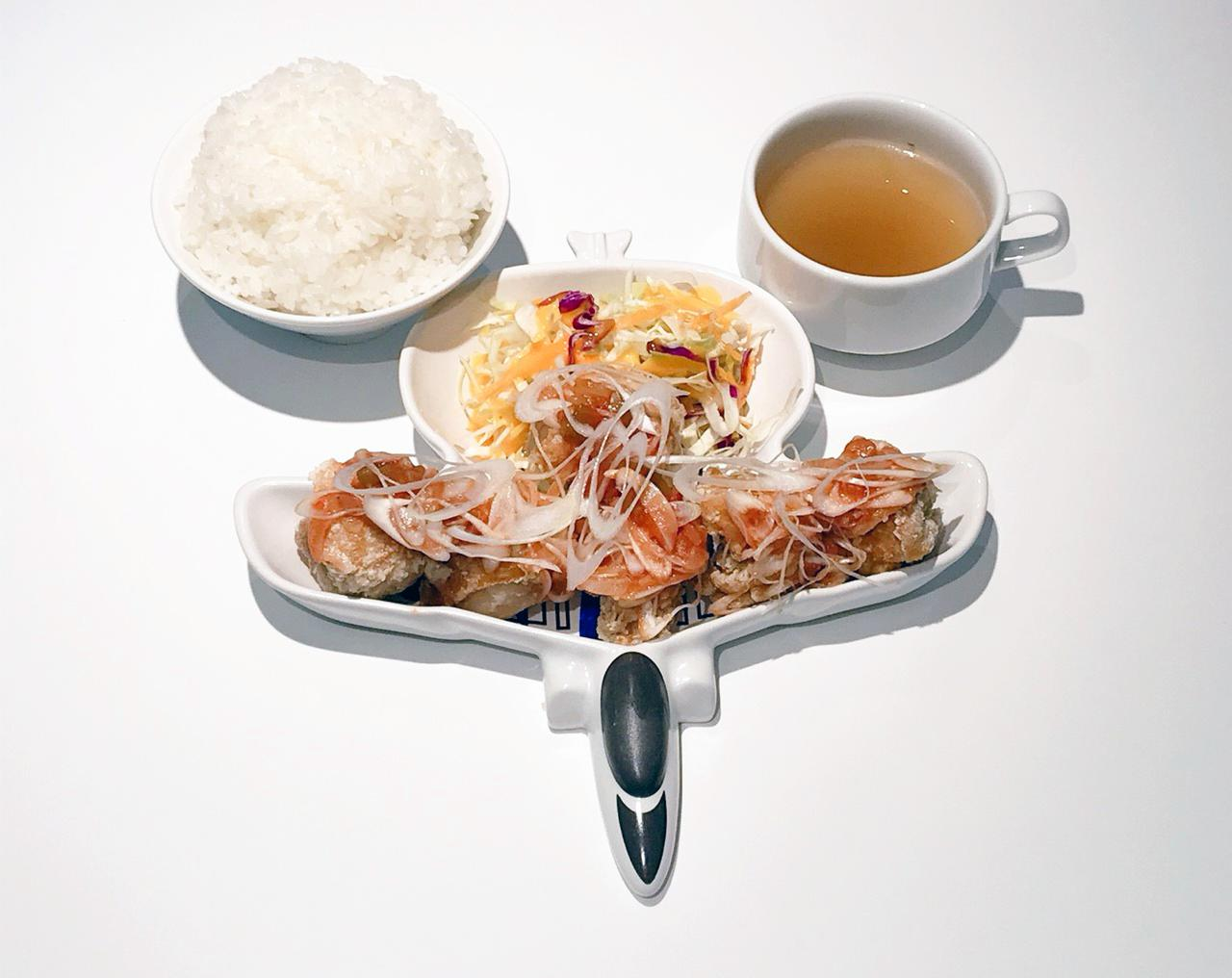 画像2: 各艦艇のレシピを参考にした本格的な海自カレー