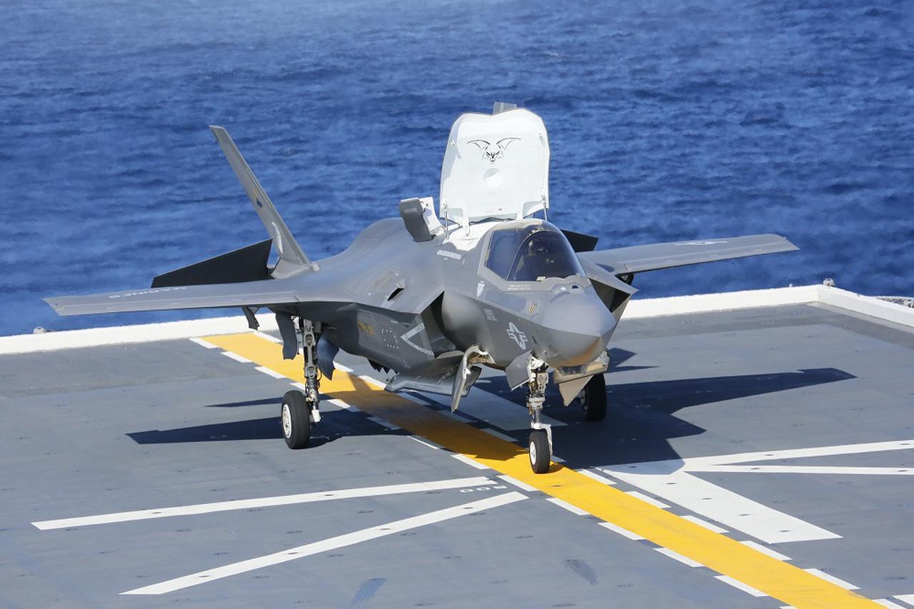 画像: 着艦した米海兵隊のF35B戦闘機