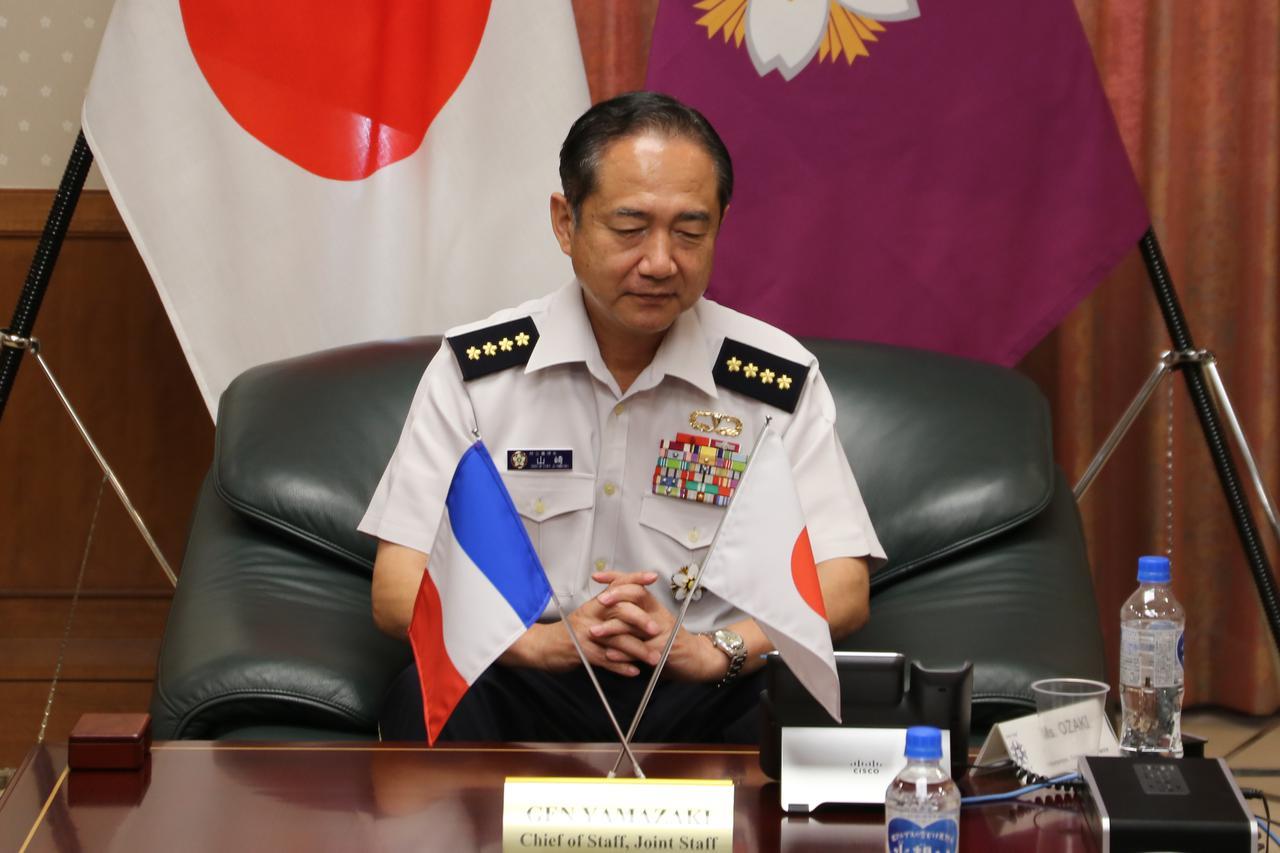 画像: 山崎統幕長が仏軍統合参謀総長と電話会談