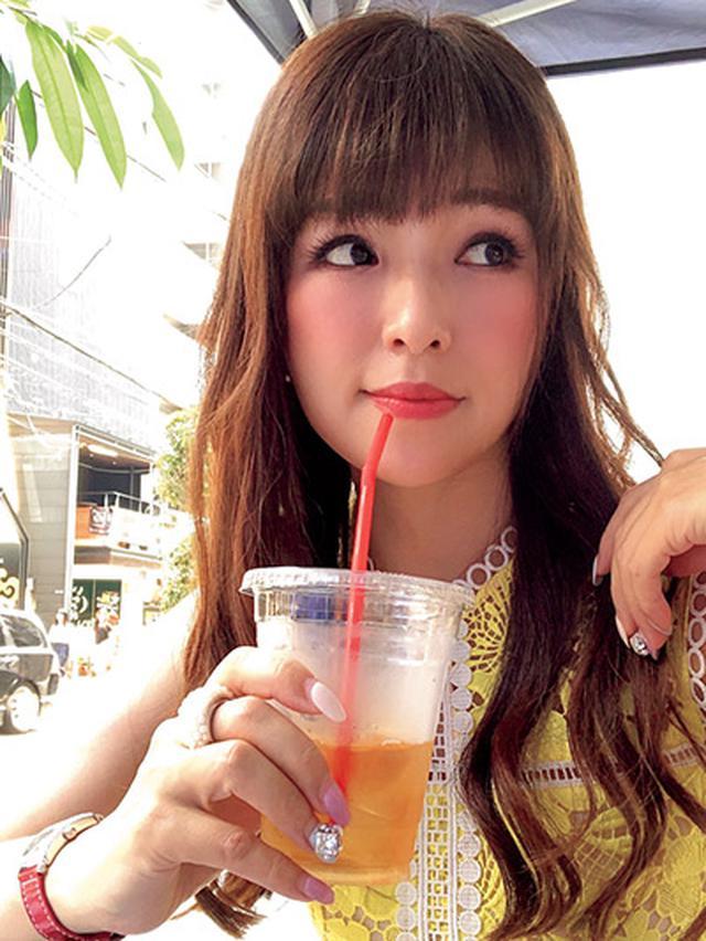 画像: 夏の心斎橋(大阪)で1枚。アイスティーをいただく