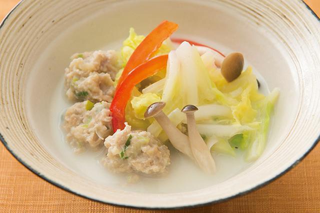 画像1: ショウガ麹鶏だんごと白菜のクリーム煮
