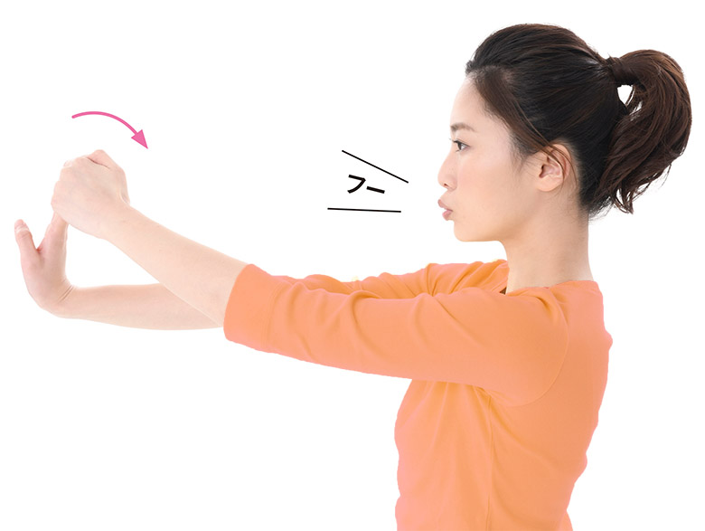 画像1: 脳の循環がよくなる!全身が伸びる 「指そらし」のやり方
