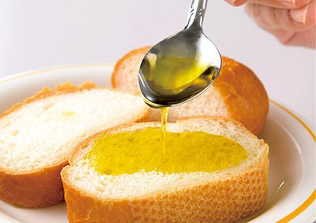 画像: パンやご飯、おかずにふりかける