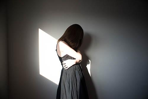 画像: 黒は「自分を抑え込む」色でもあります。