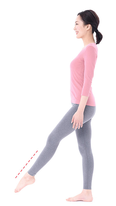 画像3: 【足痩せストレッチ】足の甲を伸ばすのがポイント 血液とリンパの流れもよくなってむくみ解消効果も