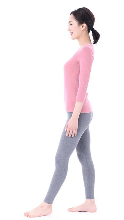 画像5: 【足痩せストレッチ】足の甲を伸ばすのがポイント 血液とリンパの流れもよくなってむくみ解消効果も