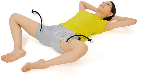 画像1: 足を左右に開く腹筋運動