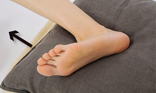 画像2: 足の横上げ (外転筋を鍛える)