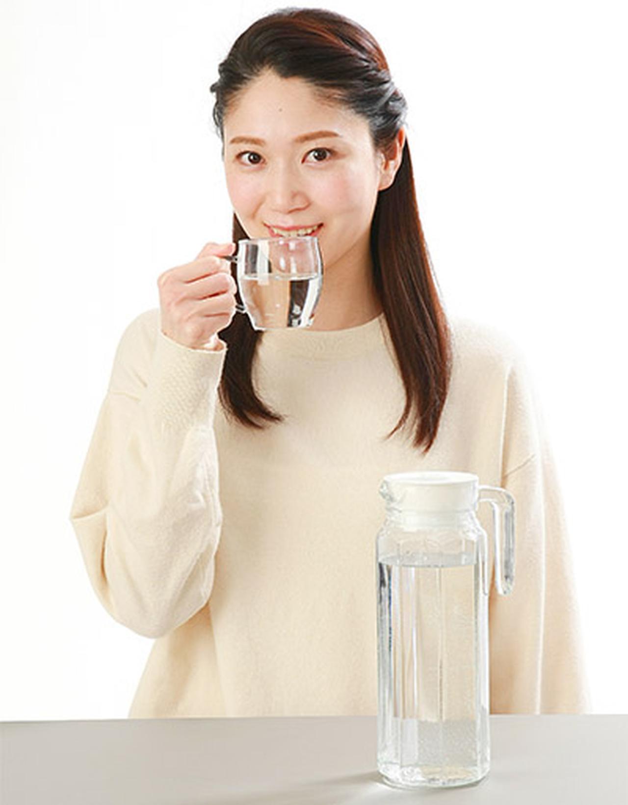 画像1: 【水の飲みすぎに注意】3食しっかりとれば飲む水は1リットルで十分 少量ずつこまめに摂取がコツ