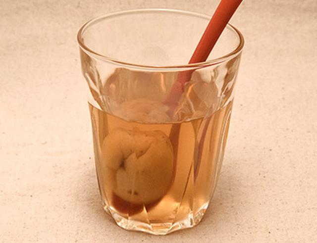画像: 小川さんの作った酢漬け梅のサワードリンク