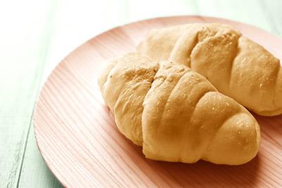 画像: パンで手軽に、という食生活はたんぱく質が不足しがち