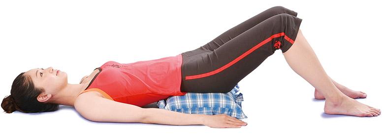 画像1: 「仙骨枕体操」のやり方
