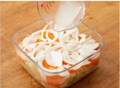 画像: 完全に野菜が漬け汁に浸るようにするのがコツ www.amazon.co.jp