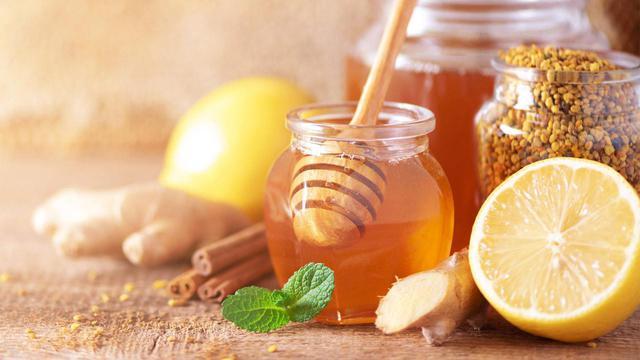 画像: 【ハチミツレモン水】耳鳴り・めまいのセルフケアに専門医が推奨 内耳の血流を促進しむくみを改善 - かぽれ