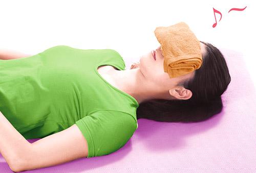 画像1: 【ドライアイのセルフケア】まぶたを休ませて目が潤う 「まばたきのクセ」をつけるトレーニングが有効