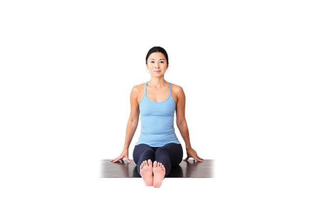 画像4: POINT 膝をクロスするポーズ