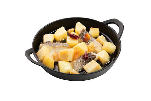 画像: 切り身魚と じゃがいものオイル煮