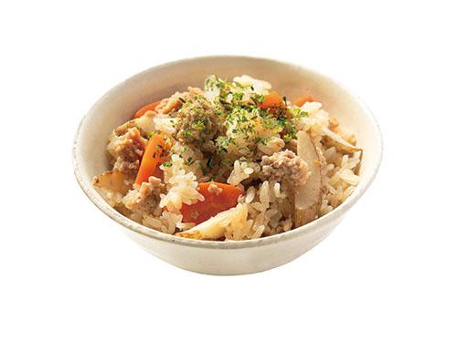 画像: 炊き込みご飯の具は薄く、大きく