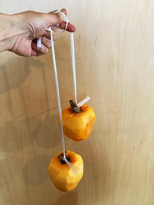 画像: ずっしり重くて「干している間にも枝が取れるのでは?」と不安になります。