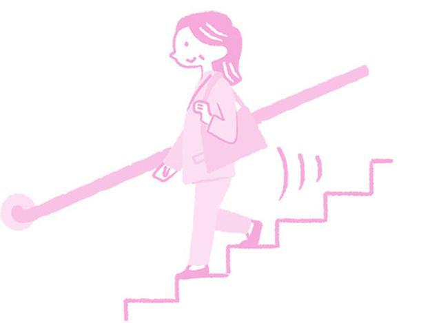 画像: 階段は下りるときのみ使うとよい