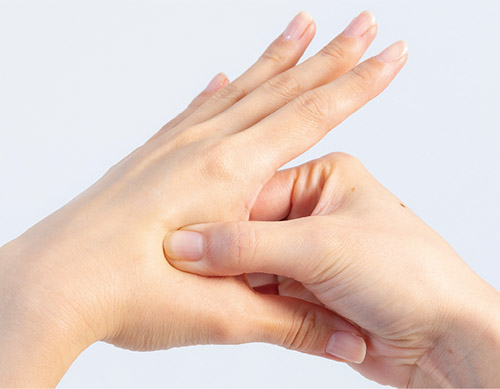 画像4: 手足のツボも便秘や下痢に有効