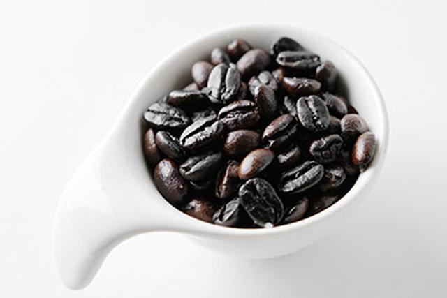 画像: ▲深煎りのコーヒー。フルシティロースト、フレンチローストといわれる焙煎段階のものが、ニコチン酸を多く含む。