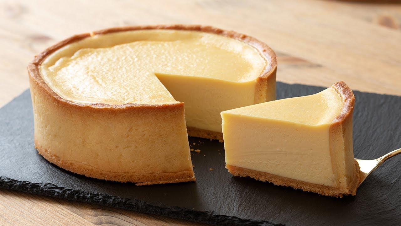 画像: Baked Cheese Tart - 濃厚ベイクドチーズタルトの作り方|HidaMari Cooking youtu.be