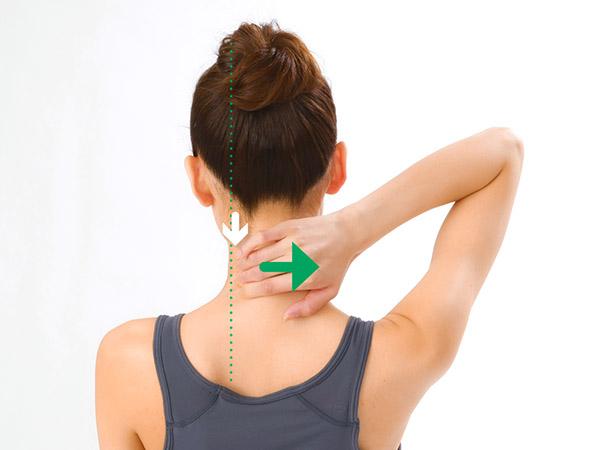 画像2: 首引っ張りのやり方