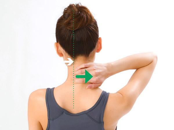 画像3: 首引っ張りのやり方