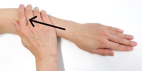 画像2: 首のリンパ流しのやり方