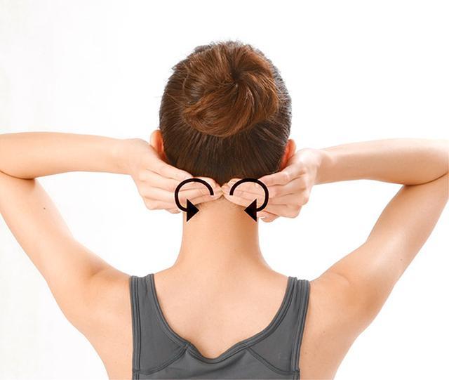 画像13: 首のリンパ流しのやり方