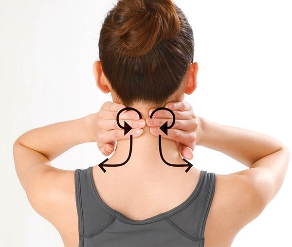 画像12: 首のリンパ流しのやり方