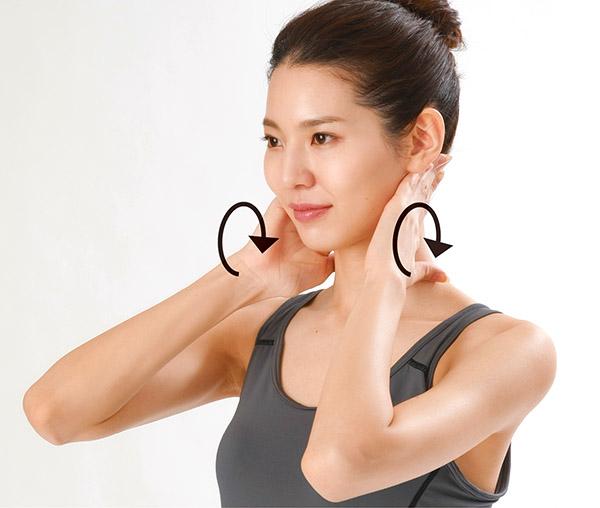 画像4: 首のリンパ流しのやり方