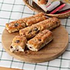 画像: 全粒粉、オーツ麦グラノーラと5種のフルーツを生地に折りこみ、スティック状に焼き上げた商品。1,830円(税込)