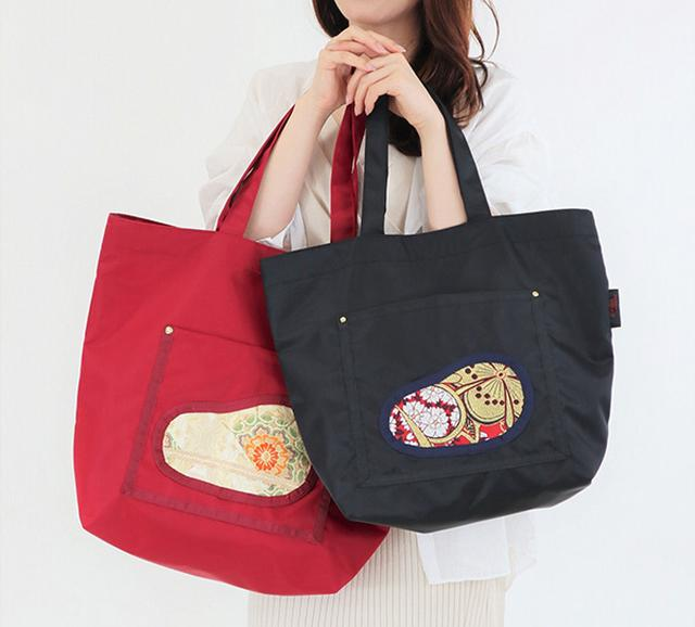 画像: ショッピングバッグにもなるトート。