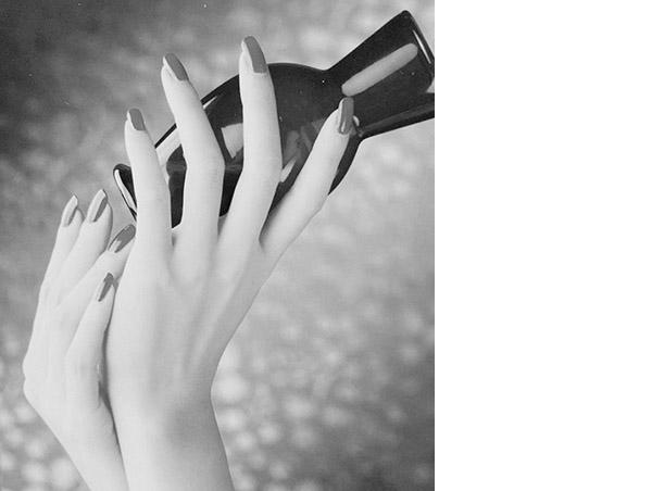 画像: 努力と工夫で手の美しさを維持。