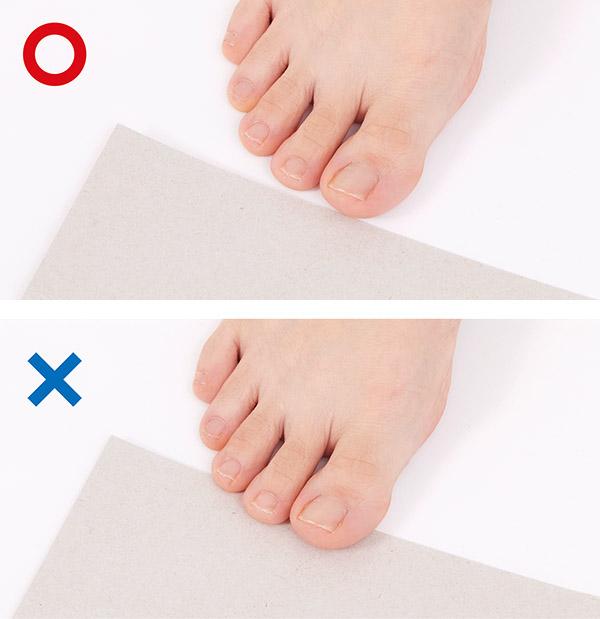 画像: ①浮き指かどうか