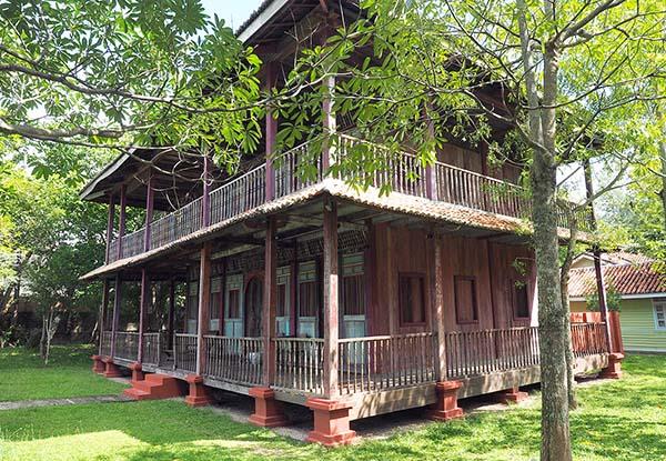 画像: マレーシアの古民家を改装した宿泊用コテージ。