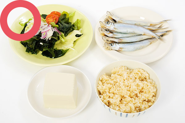 画像2: 【目に良い食生活】網膜の血流をよくするには少食が大事  まずは間食と夜食をやめよう