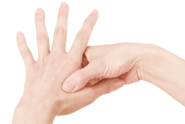 画像2: 手の特効ツボ刺激のやり方