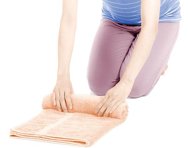 画像2: 首腰枕のやり方