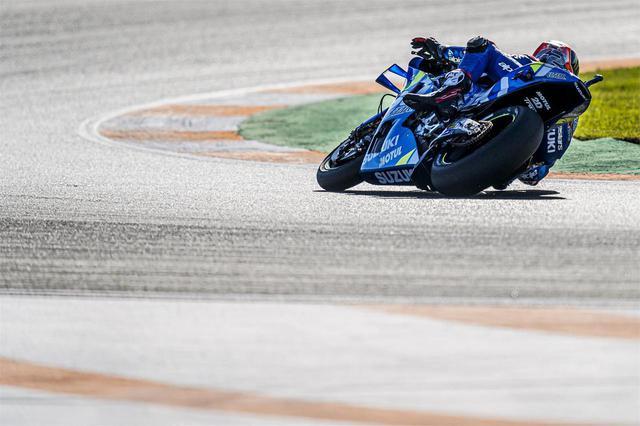 画像: 左コーナーの迫力が尋常じゃない! スズキのMotoGPマシン『GSX-RR』に乗ってるみたいなムービーがすごい - スズキのバイク!