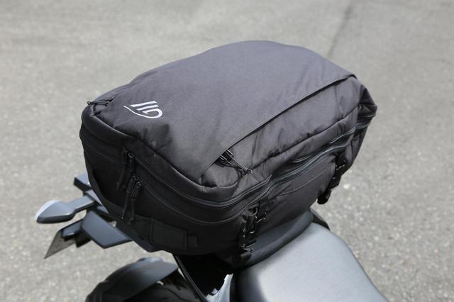 画像1: スズキ新型『ジクサー150』は積載テクニックだけでロングツーリング対応型バイクに化けるんです!