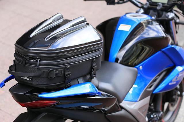 画像6: スズキ新型『ジクサー150』は積載テクニックだけでロングツーリング対応型バイクに化けるんです!